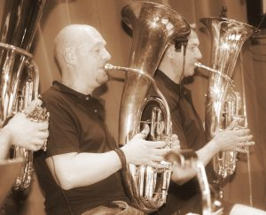 rober-u-walter-hornsection